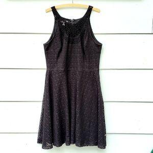 London Times Black Lace Sleeveless Dress - 16